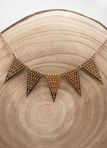 Collar Prámide Dorado